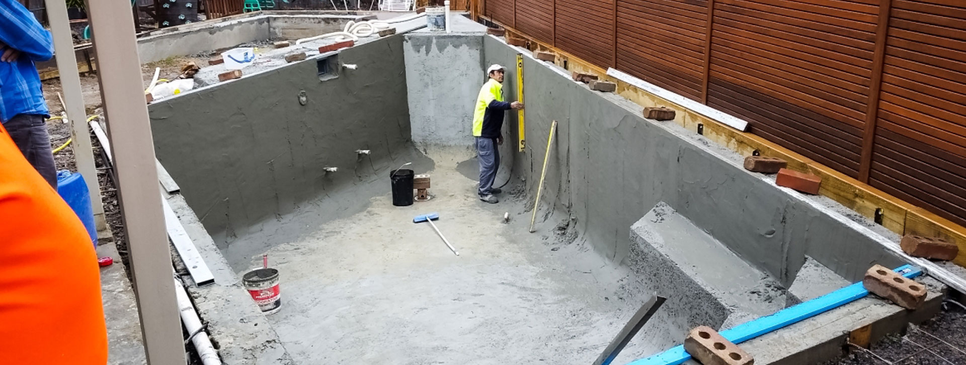 tiling a new swimming pool