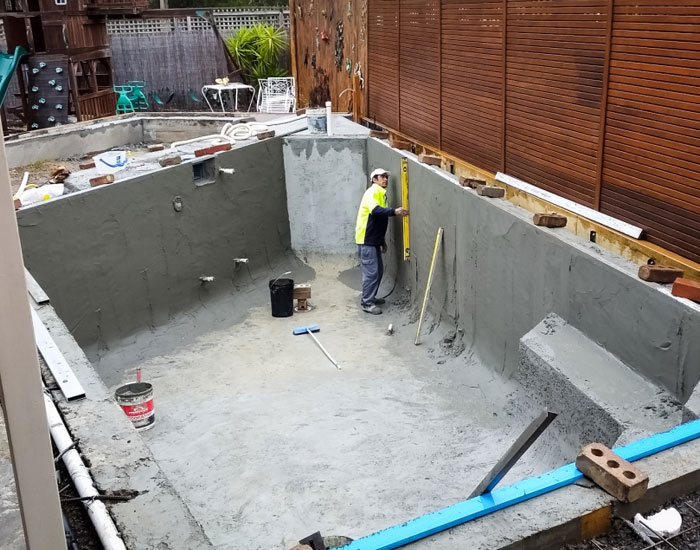 preparing a new pool for tiling