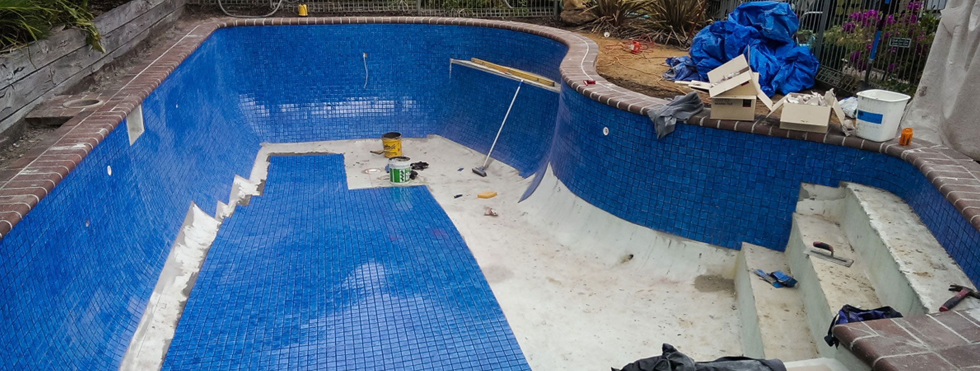 tiling a rendered swimming pool