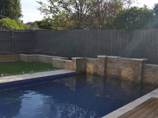 Tiling a new pool – Hawthorn